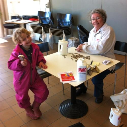 Thea og Aase Olesen 250312