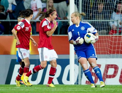 Stina Lykke Petersen som er udtaget til UEFAs All Stars-hold er en af de fire landsholdsspillere, som kommer til Hornbæk Havn på søndag kl. 20.