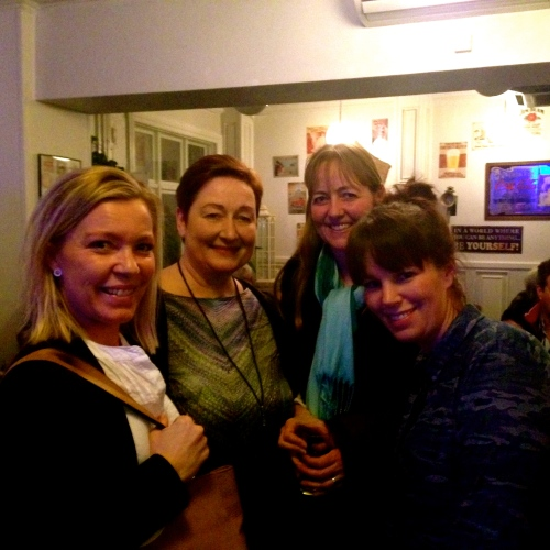 Fra venstre: Bitten Hammer Kjølsen, Lotte Lund, Mette Larsen og Bella Wirth gjorde hvad de kunne for at få genoprettet havnen på Charity Bar. Foto: Mette Clemmensen.
