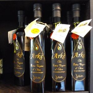 Arke, økologisk ekstra jomfru olivenolie importeret direkte fra Sicilien. Foto: Lotte Lund.