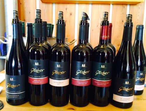 Et udvalg af de vine, der blev serveret ved dagens vinsmagning. Foto: Lotte Lund.