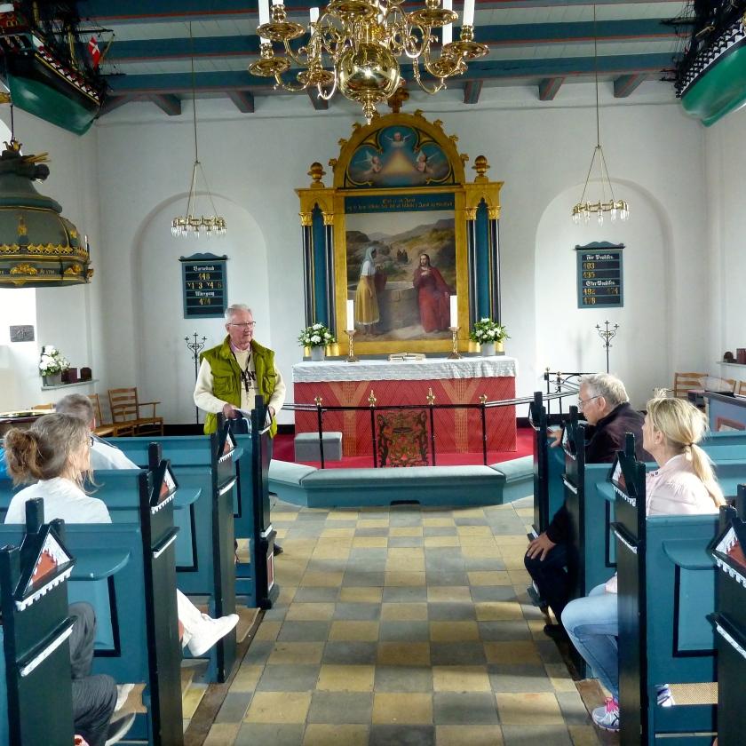 Hornbæk Kirke med altertavlen af Eckersberg. Foto: Lotte Lund.