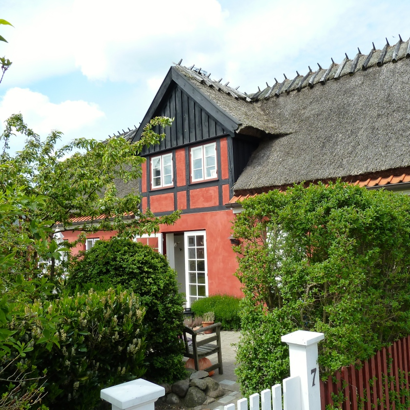 I dette hus på Ole PIis Vej 7 boede August Strindberg med sin hustru i 1901. Foto: Lotte Lund.