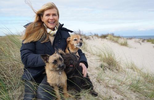 susanne-holst-med-hunde-5-mb-copyright-fotograf-marianne-diers