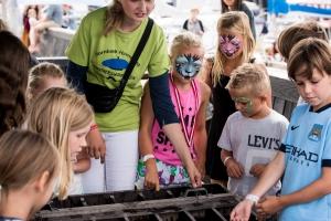 Fotograf susannebuhl hornbæk havnefest boern i oejen hoeder
